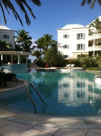 Point Grace: pool