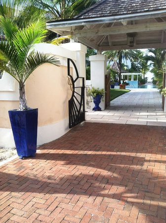 Point Grace: Entrance to resort