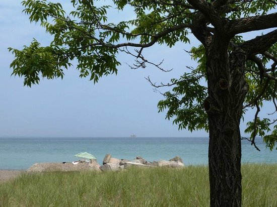 Burlington Waterfront Trail: A view from the beach strip portion of the waterfront trail