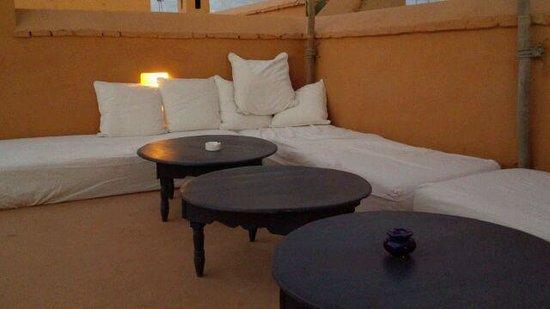 Hotel & Spa Dar Baraka & Karam : 屋上テラスのソファー