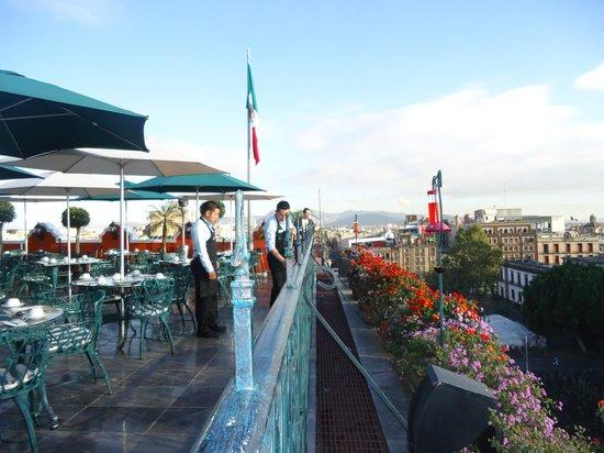 Terraza Del Hotel Holiday Zocalo Picture Of Zocalo Central
