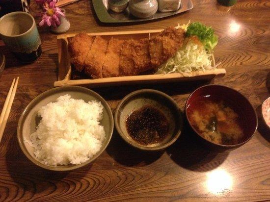 Tomono: ロースカツ定食