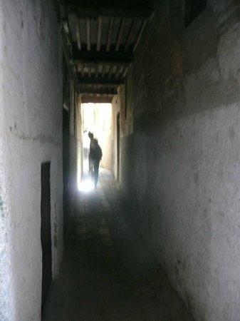 Dar Faracha Fès : Callejón de la medina camino a Dar Faracha