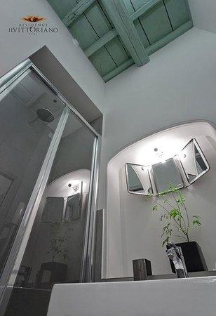 Residence Il Vittoriano: bagno suite
