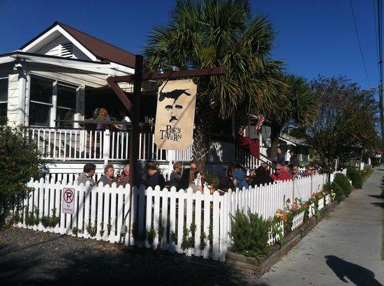 Poe's Tavern: Street View
