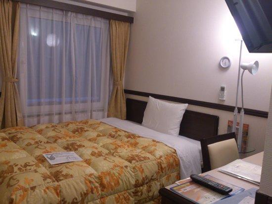 Toyoko Inn Shinagawaeki Konanguchi Tennozu : 清潔で快適な部屋です。
