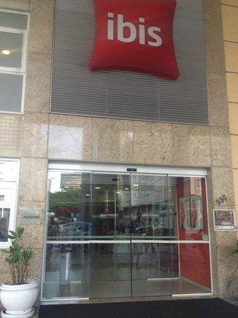 Ibis Rio de Janeiro Santos Dumont : Fachada do Hotel