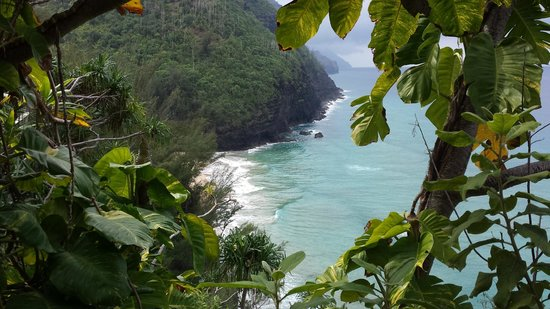 Hanakapi`ai Trail: Gorgeous views along the way!