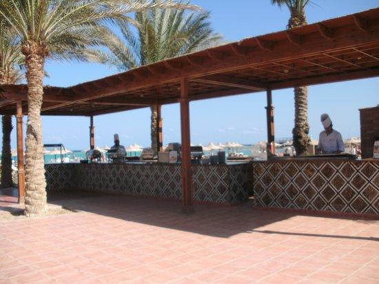 LABRANDA Royal Makadi: restarant aan het strand