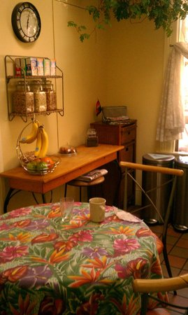 The Willows Bed and Breakfast Inn: Kitchen