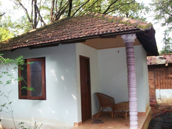 Snehadhara Homestay: Room at the backside of the main building...good and cosy.