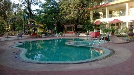 Adamo The Resort: Swimming Pool