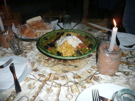 Kasbah Azalay Merzouga: La cena en la jaima