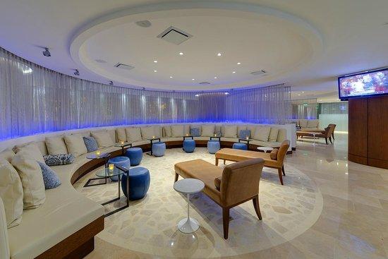 Holiday Inn Cartagena Morros: Bar Lounge
