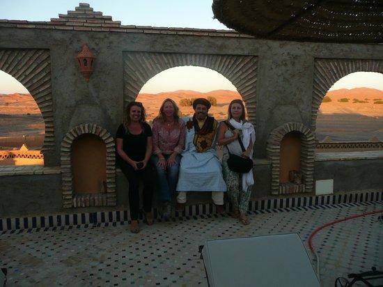 Kasbah Azalay Merzouga : Con Youseff propietario del Azalay