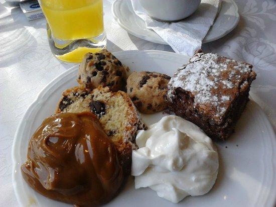 Hotel Villa Huinid Bustillo: Cafe da manhã maravilhoso