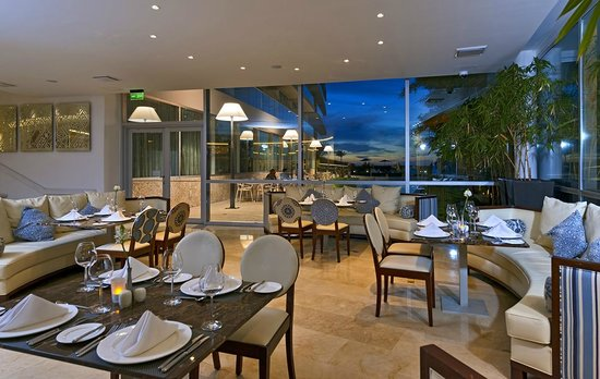 Holiday Inn Cartagena Morros: Blue Restaurant & Bar Lounge