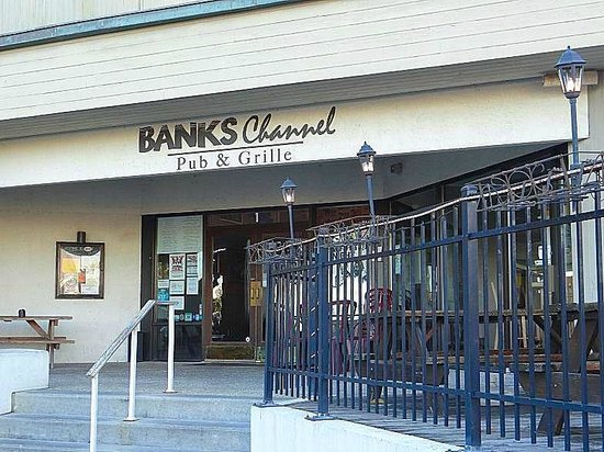 Banks Channel Pub and Grille : outside view