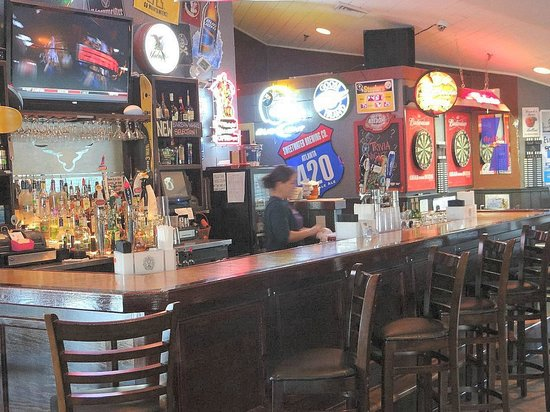 Banks Channel Pub and Grille : back game room bar