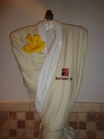 Buccament Bay Resort - TEMPORARILY CLOSED: Robes