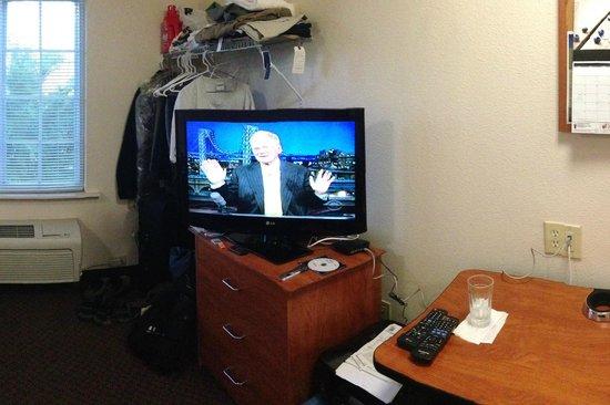 WoodSpring Suites Cleveland Mentor : Room view