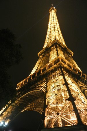 Le Dolci Foodie Studio: The Eiffel Tower