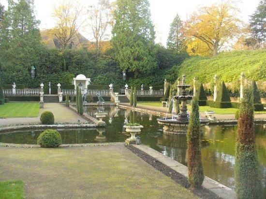 Compton Acres: The gardens