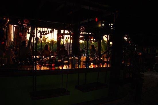 La Buena Vida Restaurant: The sun sets over the jungle
