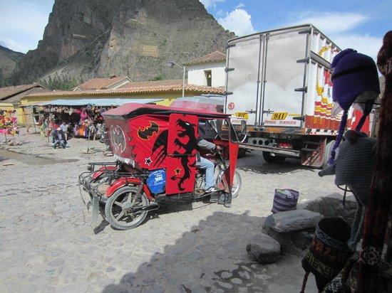 El Albergue Ollantaytambo: A moto-taxi