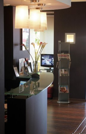 Kyriad Grenoble Centre : Reception