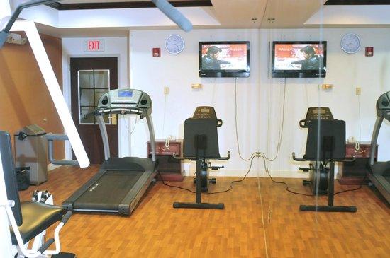 Comfort Suites Newark: Fitness Room