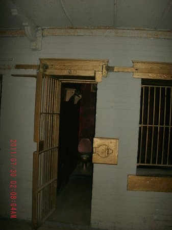 "Ohio State Reformatory: Cell from Lil Wayne's Video ""GO DJ"""