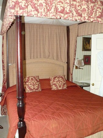 Stanhope Hotel : le lit
