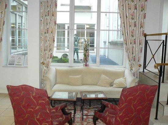 Stanhope Hotel: le petit salon