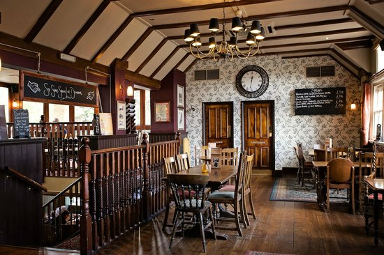 The Black Horse: Historic interior