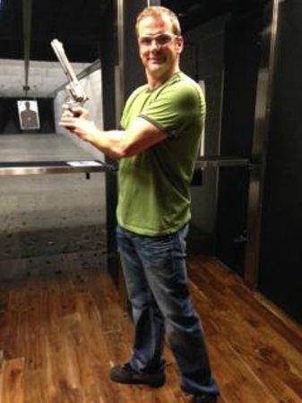 Strip Gun Club: Smith and Wesson Model 500