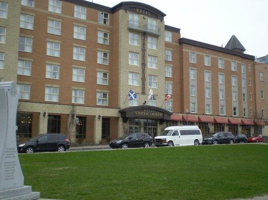 Hotel Chateau Laurier: Fachada Hotel