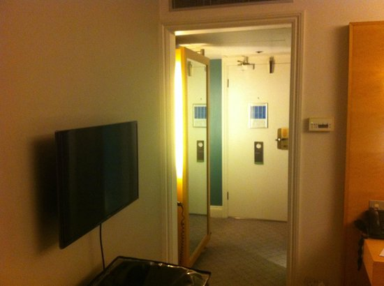 The Cumberland : Smart Room
