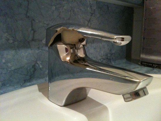 Le Saint Paul: Il rubinetto del bagno