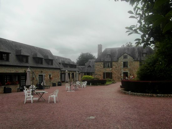 Le Manoir de l'Acherie: Main building and external accommodation