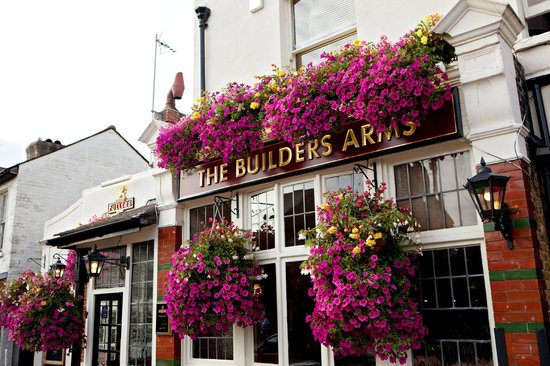 ‪The Builders Arms‬