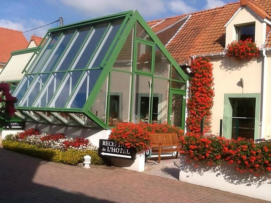 Hôtel l'Escale : Reception and Breakfast area