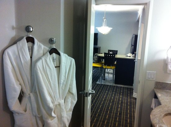Hilton Grand Vacations at McAlpin-Ocean Plaza: view from bathroom to living room
