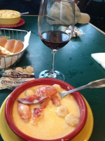 Billy's Chowder House: Eat