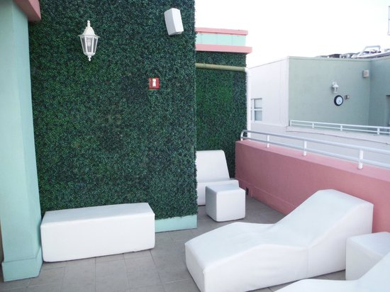 Hilton Grand Vacations at McAlpin-Ocean Plaza: Side view of rooftop spa
