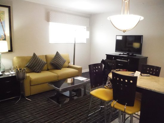 Hilton Grand Vacations at McAlpin-Ocean Plaza: updated living room #2