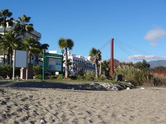 Meliá Marbella Banus: L'hôtel depuis la promenade