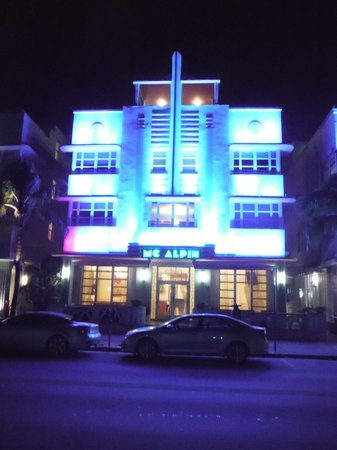Hilton Grand Vacations at McAlpin-Ocean Plaza: Night view of Mc Alpin