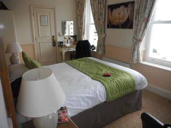 Pegwell Bay Hotel: Spacious room