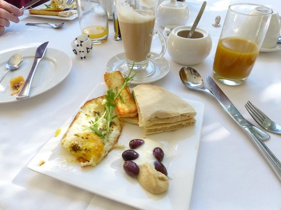 Parker Cottage : Lebanese inspired breakfast feature
